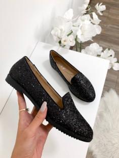 Mustad läikega kingad